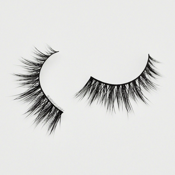 #RoyalFlirt 2 eyelashes