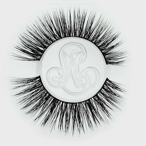 #ImpressTheEmpress - Dramatic Eyelashes