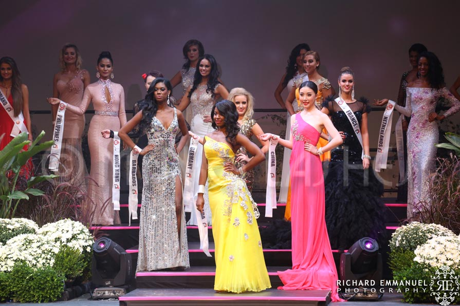 Miss Globe Canada in Minki Lashes