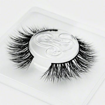 #TeaseMarquise! Eyelashes by Minki Lashes