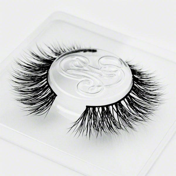#TeaseMarquise! Eyelashes by Minki Lashes