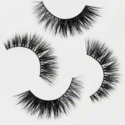 Minki Lashes medium volume eyelashes